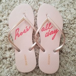 NWOT Rose All Day Old Navy Flip Flops